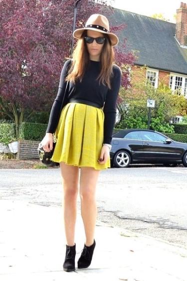 black-suede-topshop-boots-camel-fedora-topshop-hat_400