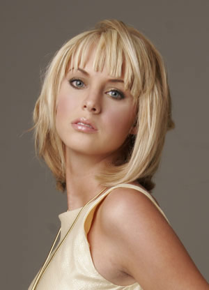 Choppy shoulder length medium hairstyles are very common.