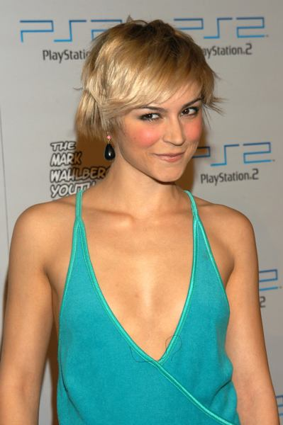 Medium Short Hairstyle For Homecoming Hairstylescut Com