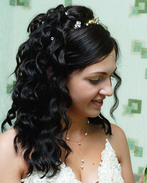 Incredible Best Looking Bridal Hairstyles For New You Hairstylescut Com Hairstyles For Women Draintrainus