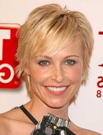 Short Hairstyle for Ladies for fine hair